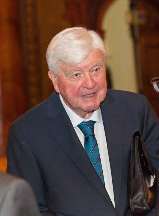 Hochverehrter Freund und Förderer seit über vierzig Jahren: Prof. Dr. Hans Maier